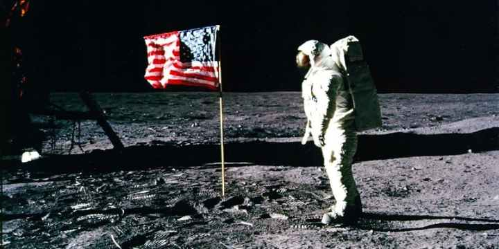 the-film-operation-avalanche-was-filmed-at-nasa-because-the-film-crew-infiltrated